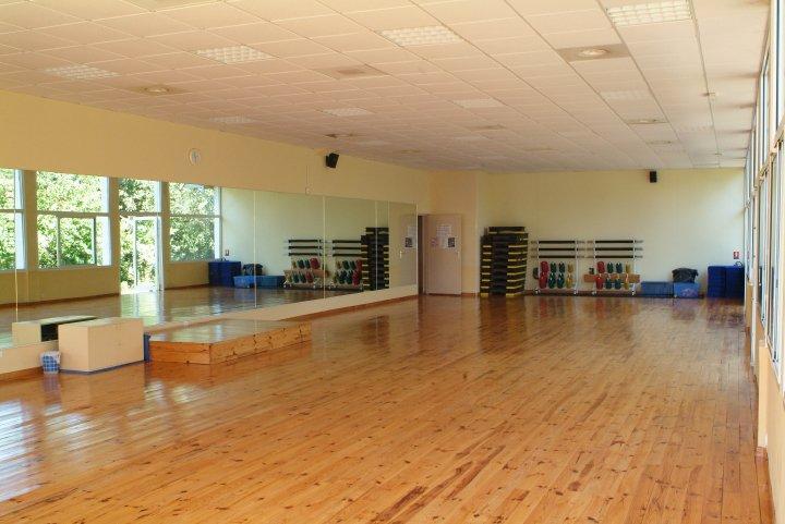 Location Club De Sport Salle De Sport Centre De Remise En Orme